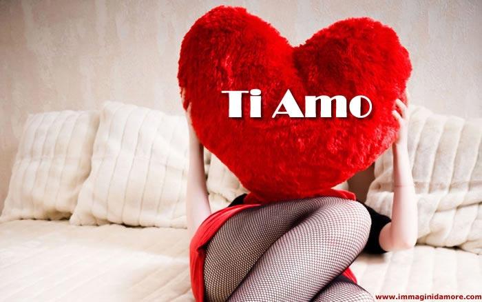 Immagine d 39 amore con cuore rosso con scritta ti amo for Immagini natalizie d amore
