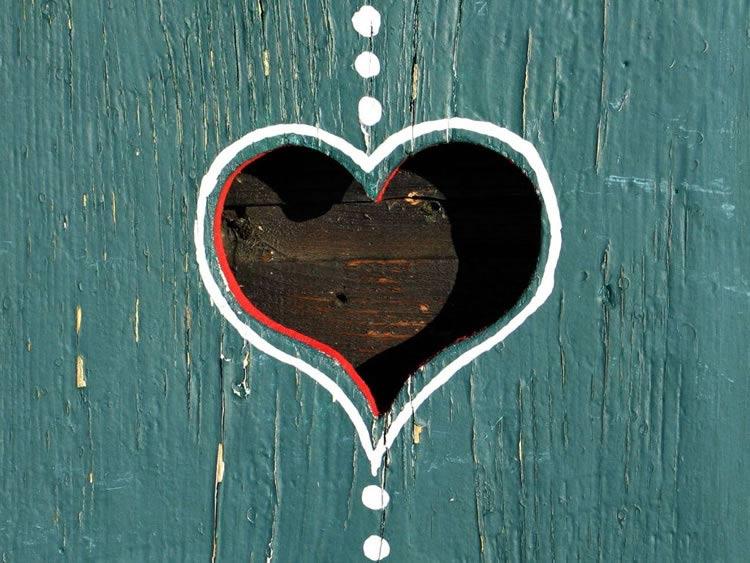 Bellissima immagine d 39 amore cuore nel legno for Immagini natalizie d amore