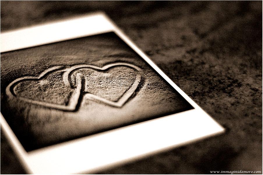 http://www.immaginidamore.com/immagini-d-amore/immagini-damore-2.jpg